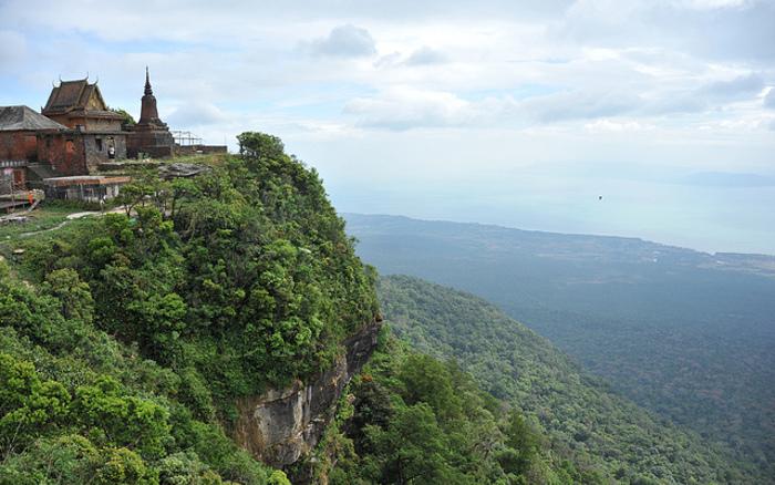 Bokor-National-Park.jpg