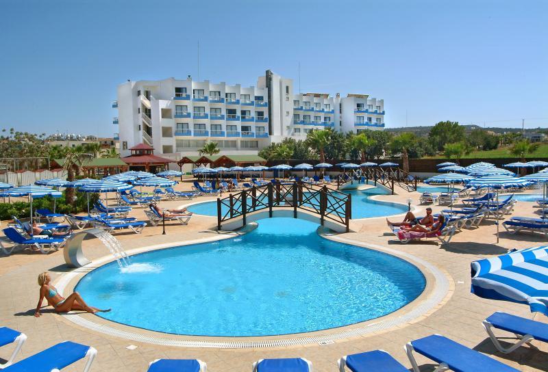 tsokkos_hotels1.jpg