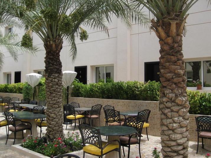 Regent beach resort 3 дубай джумейра продаж квартир в парижі