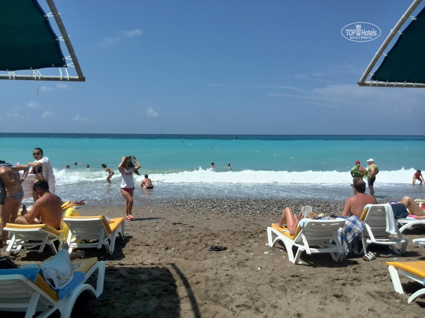 Фото туристов с пляжей турции